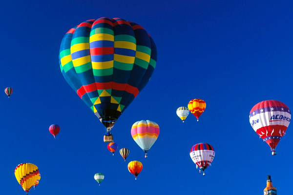 Este riscant să zbori cu balonul?